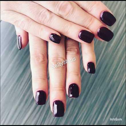 kelly makeup nails