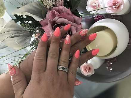 micy nails