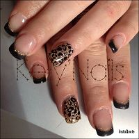 Kelly MakeUp Nails69970Chaponnay